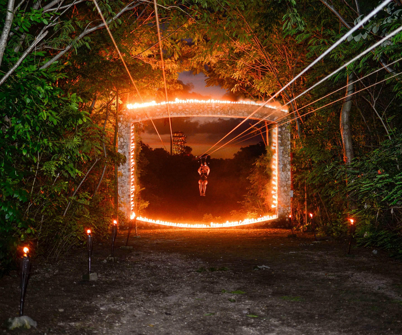 Tour Xplor Fuego desde Cancún y Riviera Maya