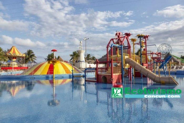 Programa interactivo con Delfines + Parque acuático ilimitado en Cancún